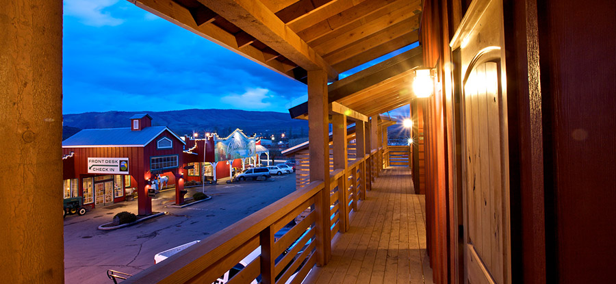 Cousins Country Inn Hotel In The Dalles Oregon Lodging Columbia